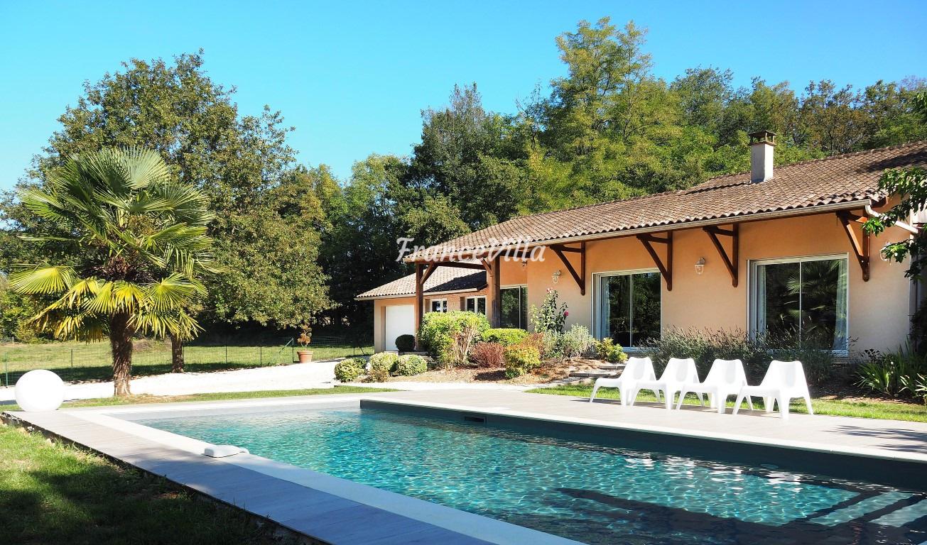 Louer un gite en dordogne franse for Villa louer vacances