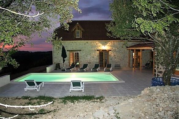 location villas de luxe dans le sud de la france franse. Black Bedroom Furniture Sets. Home Design Ideas